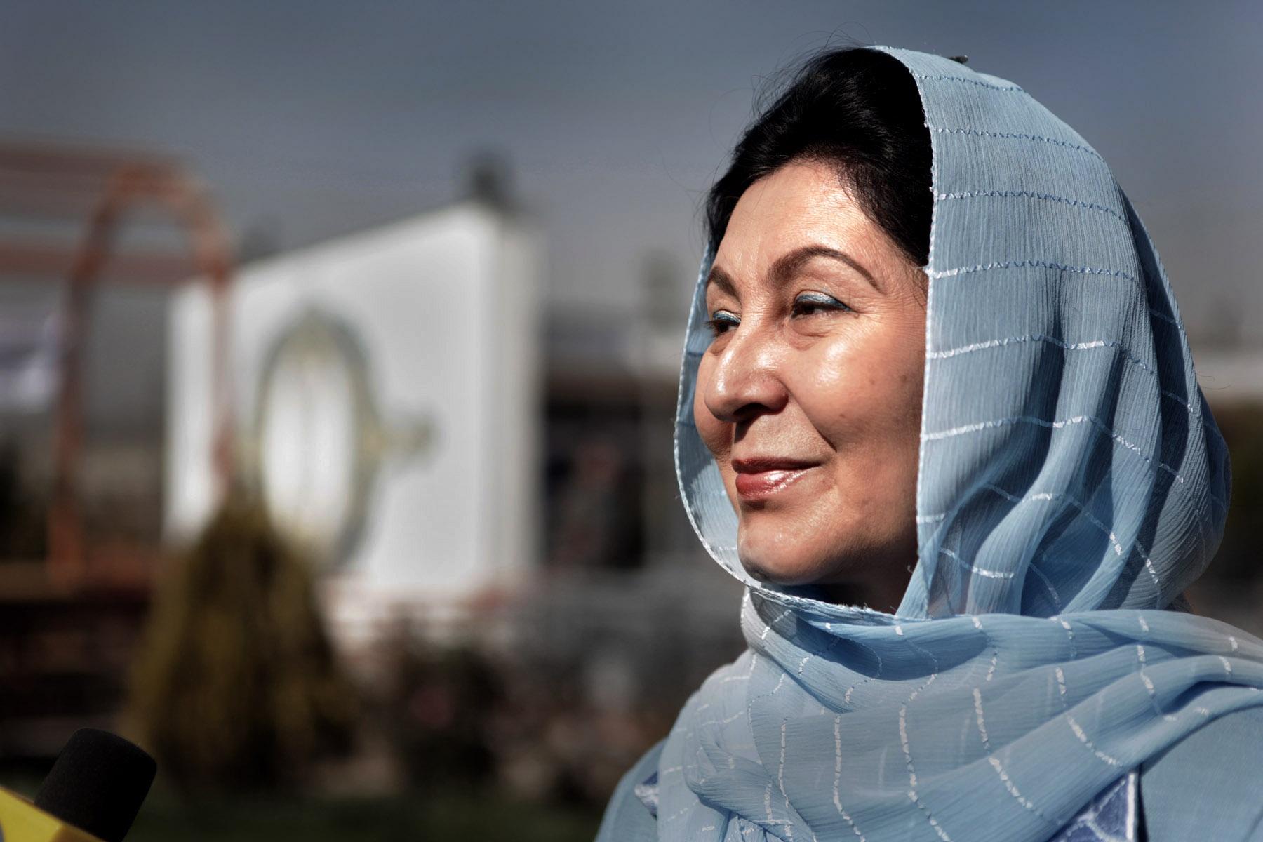 Dr. Hussn Banu Ghazanfar – Frauenministerin