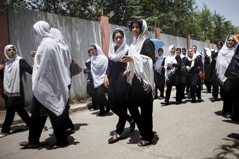 Die Al-Fatah-Schule mit etwa 8.000 Schülerinnen, im Alter zwischen von 6 und 18 Jahren, ist eine der größten Mädchen-Schulen in Afghanistan.