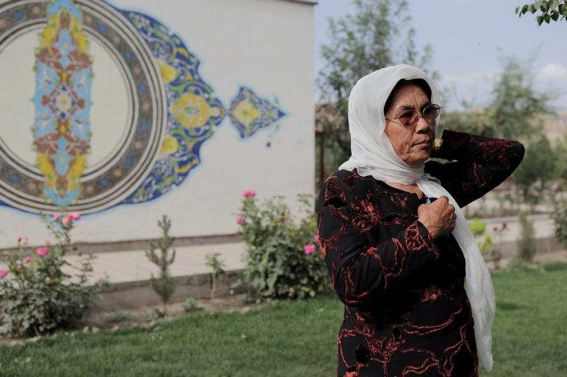 """Das Projekt """"Frauengarten"""" wurde mit 500.000 USD aus den USA und Europa unterstützt. Zuerst gab es harsche Kritik dagegen und Karima musste als Verantwortliche eine Gerichtsverhandlung überstehen."""