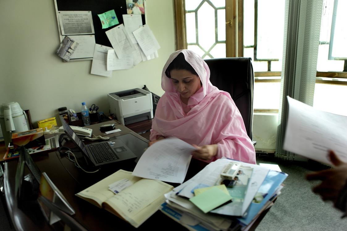 Hasina Safi – NGO-Direktorin