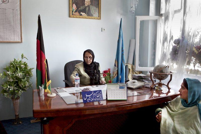"""Zarin Karamkhail wichtigstes Anliegen ist: """"Der Fortschritt in Afghanistan hängt von der Bildung der Frauen ab. Deswegen  ermutige ich meine Schülerinnen sich zu bilden und nicht sofort zu heiraten."""